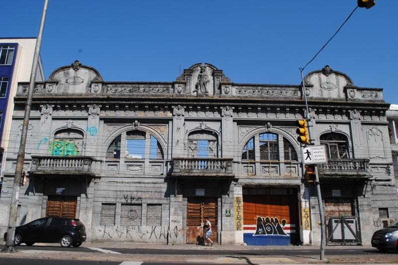 Fachada da construção do Cine Astor, de 1923, será preservada para erguer os 10 andares do Moov