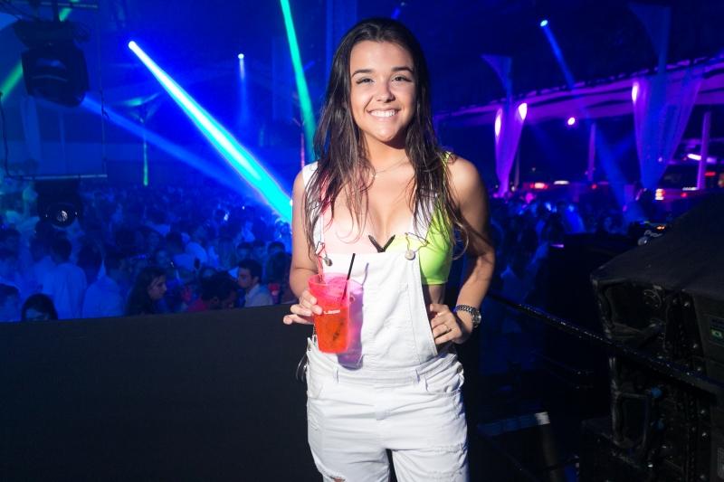 Mariana Azevedo curtiu o final de ano na Privilège