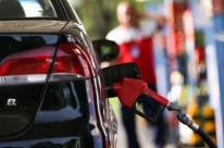 Petrobras anuncia alta de 0,70% no preço da gasolina e queda de 0,20% no diesel