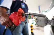 Setor de combustíveis pagou 57% de tributos a mais este ano