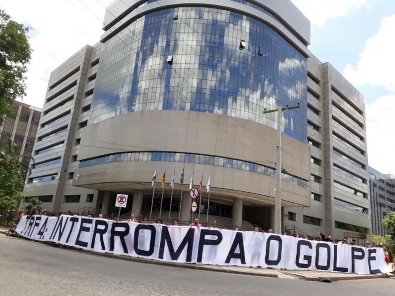 PT deve reafirmar candidatura de Lula após julgamento no TRF-4