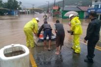 Santa Catarina registra morte e estragos com fortes chuvas