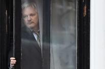 Equador concede nacionalidade a Julian Assange