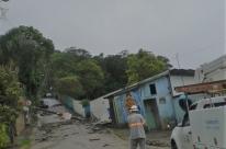 Chuva diminui, mas deixa mais de 1,3 mil desabrigados em Santa Catarina