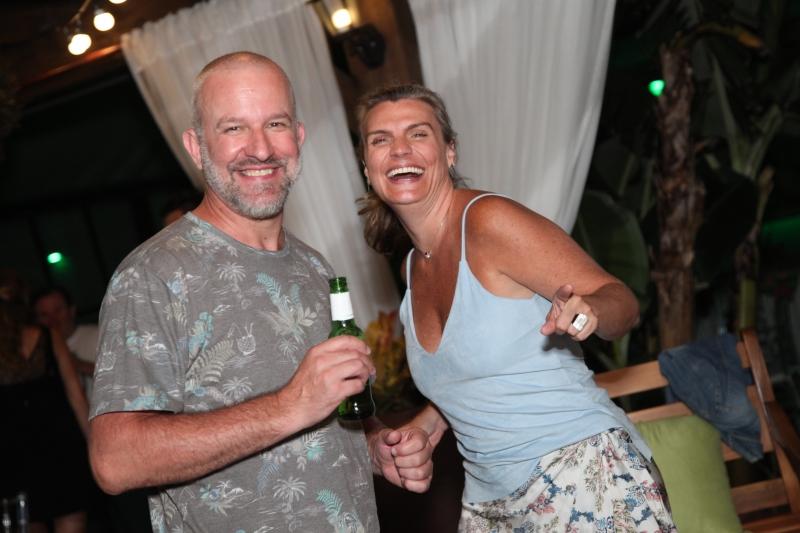 Ana e Rodrigo Schierholt na Saba, Samba Show, recente sucesso do veraneio