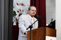 Ex-prefeito Luiz Américo Aldana tenta voltar ao cargo