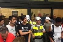Shopping Praia de Belas fecha após grande fluxo de manifestante pró-Lula
