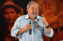 Lula confirma pré-candidatura e defende campanha mesmo com fato 'indesejável'