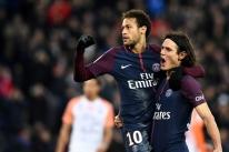 Neymar marca 2, Cavani supera Ibrahimovic e PSG goleia outra vez