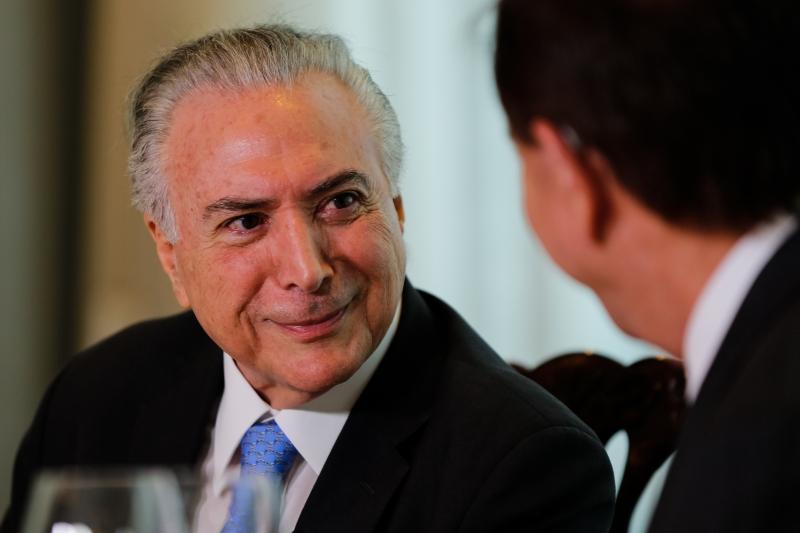 Temer acredita que é hora de começar a pressionar o PSDB para aprovação da reforma