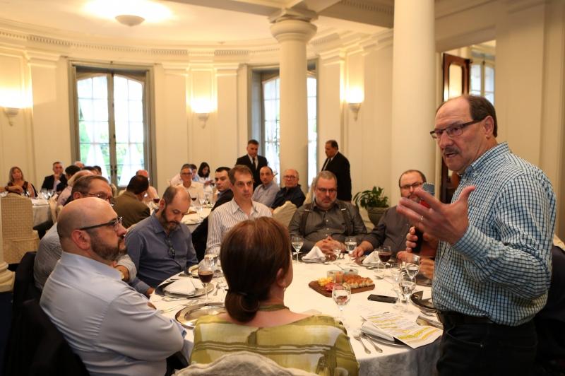 Em jantar com a imprensa, Sartori afirmou que não há um plano B