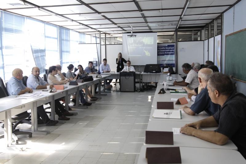 Conselheiros do Plano Diretor de Porto Alegre reuniram-se ontem