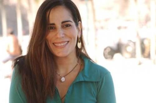 Glória Pires começou na TV  aos 5 anos, em A pequena órfã