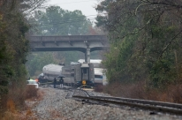 Colisão entre trens deixa mortos e feridos nos Estados Unidos