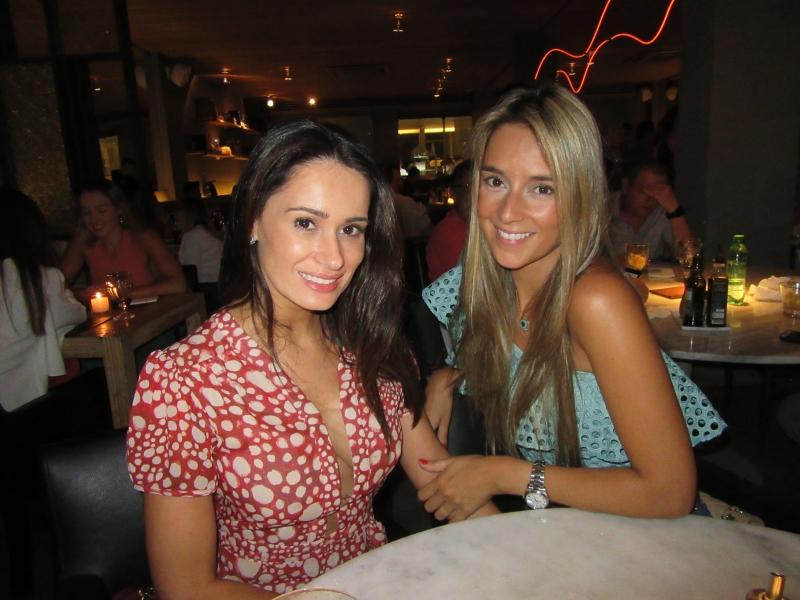 Ana Paula Ribeiro e Maria Fernanda Carchedi no restaurante Press