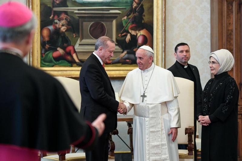 Pontífice se reuniu privadamente com Erdogan por cerca de 50 minutos em seu escritório