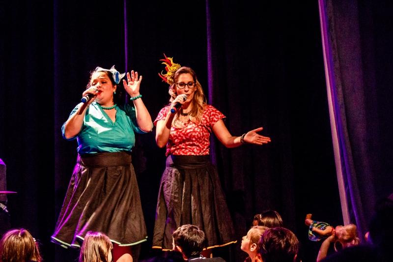 Entre os espetáculos que encerram o festival, Pararátimbum tem apresentação no Teatro Renascença