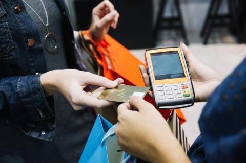Demanda por crédito ao consumidor cresce 2,2% em janeiro, revela Boa Vista