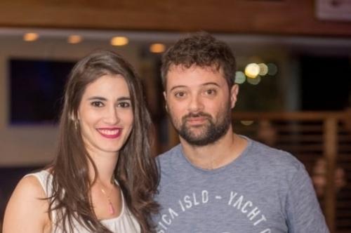Yasmin Fernandes e Samy Cassali curtiram o Royal Black Pub na Dado Bier