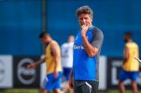 Treino com portões fechados mantém dúvidas no Grêmio para a Recopa