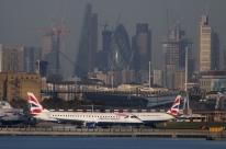 Aeroporto em Londres fecha após descoberta de bomba da 2ª Guerra