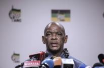 Governistas entregam ordem para renúncia de presidente da África do Sul