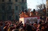 Batalha das laranjas movimenta cidade italiana