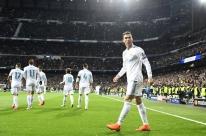 Com Neymar apagado, Ronaldo marca dois e Real sai em vantagem diante do PSG