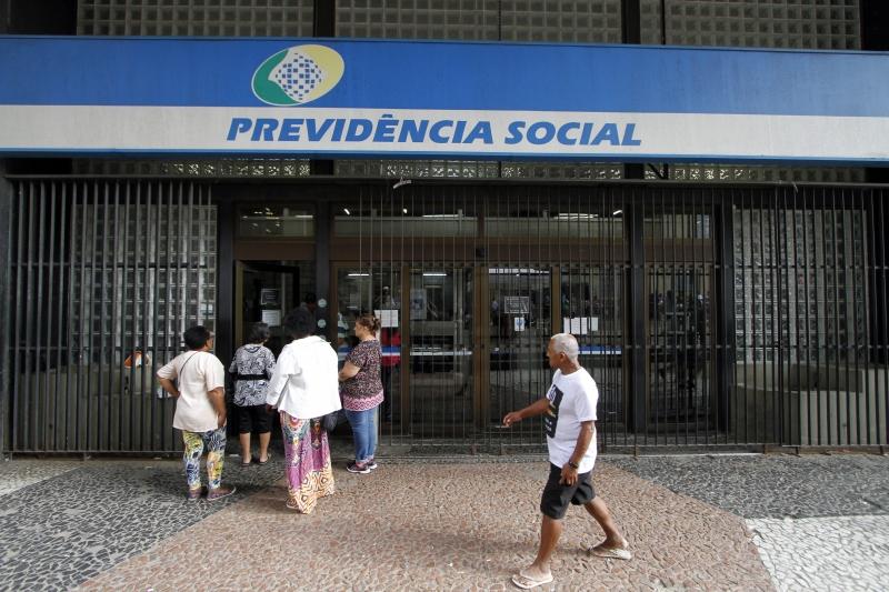 Parte do receio dos brasileiros se deve às discussões sobre a reforma da Previdência, diz pesquisa