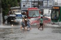 Rio Grande do Sul tem alerta para temporais neste sábado