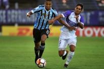 Grêmio vacila contra o Defensor e cede empate na estreia da Libertadores