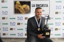 Em Montevidéu, Luan recebe troféu de Rei da América