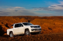 Amarok V6 Highline se posiciona como a picape média mais potente do mercado nacional