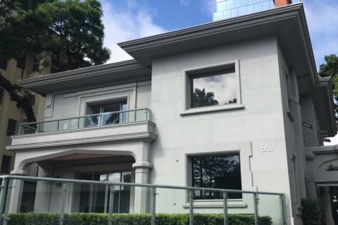 Estrutura foi montada no bairro Moinhos de Vento, na rua Dr. Vale
