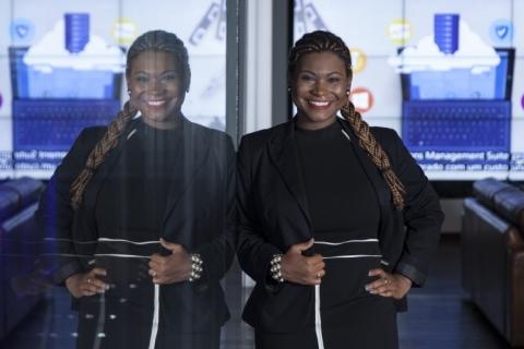 Jovem atua em gigante de tecnologia pela igualdade racial e de gênero