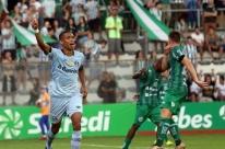 Grêmio vence Juventude e entra na zona de classificação do Gauchão