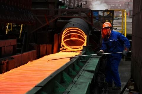 Indústria tenta garantir aço para operar