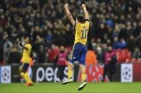 Higuaín marca, Juventus vira sobre o Tottenham e avança às quartas da Liga