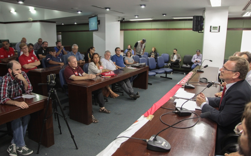Na Assembleia, sindicalistas reclamaram de 'achatamento' salarial