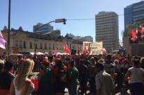 Marcha em Porto Alegre marca Dia Internacional da Mulher