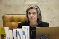 Em sessão do STF, Cármen Lúcia destaca violência persistente contra a mulher