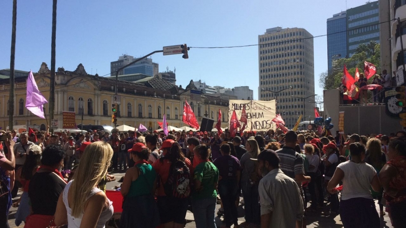 Na Marcha das Mulheres, atos se concentraram em diversos pontos do Centro de Porto Alegre
