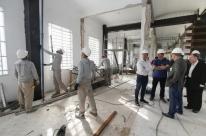 Marchezan e secretário da Saúde visitam obras do hospital Santa Ana