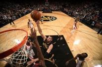 Com início arrasador, Raptors vence e acaba com série invicta do Rockets na NBA