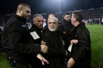 Grécia poderá ser expulsa pela Fifa por episódios de violência no futebol do país