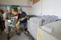 Cooperativa dá nova vida para ex-carroceiros