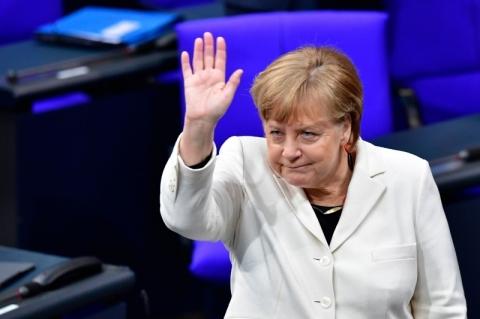Merkel se reúne hoje com presidente da França para discutir reformas da União Europeia