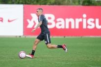 D'Alessandro pega dois jogos de suspensão por briga contra o Flamengo