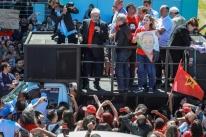 'Se tem alguém que não gosta de mim aqui, vai me estimular a voltar', diz Lula em Bagé