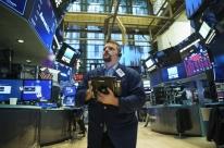 Bolsas de Nova Iorque fecham em queda com tensão geopolítica e acordo EUA-China no radar